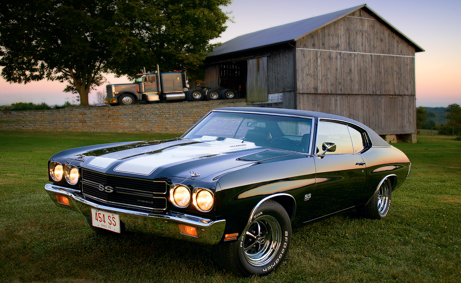 Chevelle-and-barn