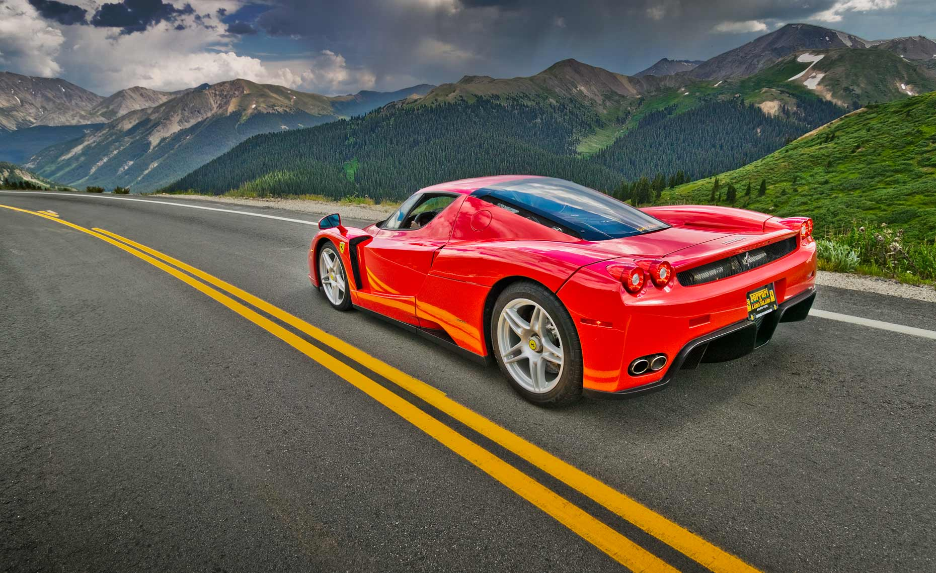 Ferrari-Enzo-mountain