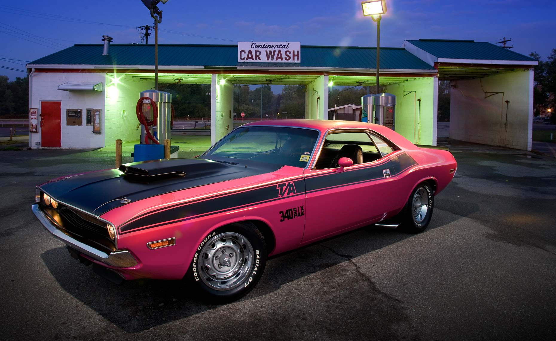 Pink-TA-at-car-wash